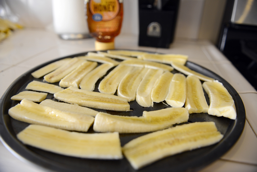 Baked Banana Treats with Honey for dogs.